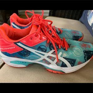 ASICS tennis shoes 🎾